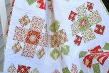 Red and Green Quilts / by Sherry Meeks