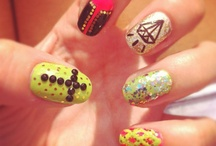 Nails... / by Zelly Tap