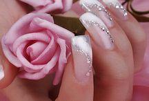 Cosmetics: Nails / by Jolanda van Pareren