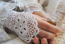 CROCHET Gloves / by Miriam cordero