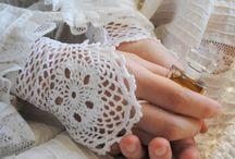 CROCHET Gloves / by Miriam cordero