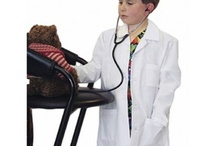 Landau Kids Lab Coats / Whether your child has dreams of a future helping others as a Doctor or just wants to be like mom or dad, these little lab coats are the perfect prescription for playtime. / by My Little Doc