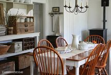 Cottage and Farmhouse / by Adele Zavada