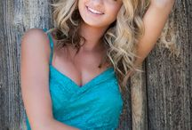 Senior pic ideas! / by Traci LaVernway