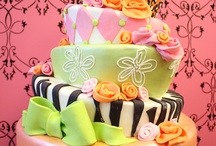 Cakes / by Lamcclure :)