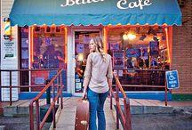 Music City ( Nashville) take me back / by Allison Farris