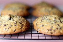 Cookies 2 / by Carolyn DeRamo