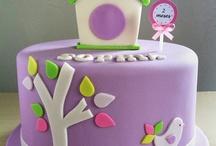 Cakes   Round Fondant / by Leilani Uy