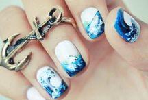 nails / by Raquel Blanco