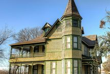Victorian homes / by Erin Cavill