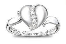 Jewelry!!! / by Corinne Gonzales