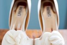 Wedding Ideas / by Angie Tavira