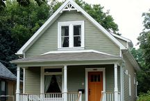 Small Victorian Homes / by Lisa Roppolo