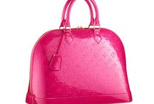Handbags: Wanted/Owned / by Priscilla Ines