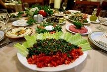 VEGAN FOOD / by Yajaira Fraga