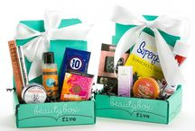 Beauty Subscription Boxes / Discover new beauty products - from skin care to makeup to nail polish and more - with these Beauty Subscription Boxes. Vegan beauty boxes, all natural beauty boxes, luxury beauty boxes. / by Find Subscription Boxes