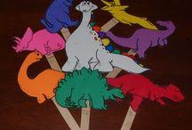 Teaching- dinosaurs / by Maritza Tejeda