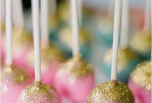 Cake Pops / by Flavia Nunes