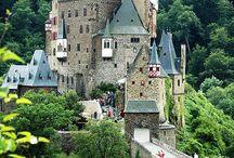 Favorite Castles / by Sandi Dufern