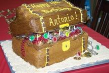Sweet Treats & Cakes / by Sonya Vittiglio