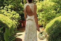 Wedding Dresses - SuzyCasamenteira Suggestions / #weddingdresses #vestidosnoivas #noivas / by Suzy Casamenteira