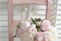 Flowers / by Linda Castle