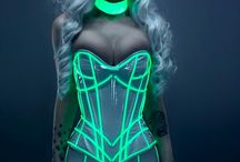 Style odyssey: fffashion in the year 3000 / Chic looks from the 25 century and beyond / by C W