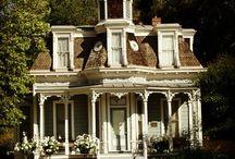 Dream House(s) / by Leslie Olson