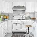 Kitchens / by Comeka Earl