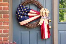 Wreaths / by Jeanette Donavan