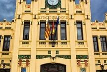 Valencia / Mi ciudad natal, vista con los ojos de los mejores fotógrafos del planeta / by Ricardo Hoyos