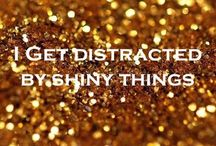 Bling Bling / Gold, Silber, Glitzer, Strass oder Diamanten - ganz egal, Hauptsache es blinkt und funkelt, leuchtet und bringt Aufmerksamkeit. Mit dem gewissen Bling Bling hat das Dasein als graues Mäuschen keine Chance mehr. / by Preis.de