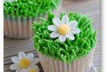 Cupcakes / by Lisa Schoenrock