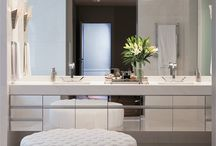 Banheiros e lavabos / by Karina Chavare