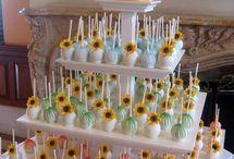 Mesas de dulces y postres para fiestas / by Marisol Castillo
