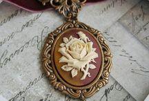 Jewellery / by Ilene Lytwyniuk