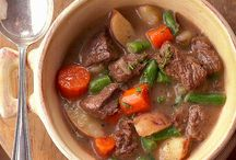 Slow Cooker Recipes / by Pam Hinshaw