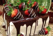 Birthday cakes!  / by Nikki Montes