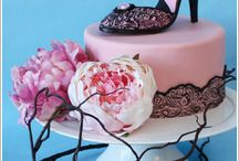Inspirational cakes and goodies! / Ideas to borrow :o) / by Laura Palomino