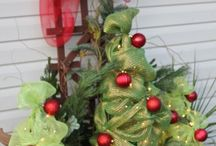 Christmas - Outside decorating / by Cathy Walackas Estey