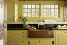 Kitchens & Dining Spaces / by Breelynn Lein