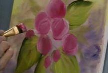 tutoriales de pintura  / by Elizabeth Gonzalez