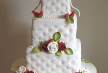 Trendy wedding cakes / by Jenniffer White