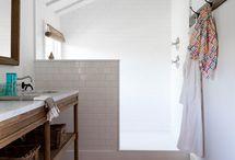 Salle de bain / by Julia Calanville