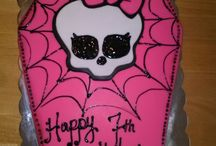 monster high party / snacks, dessert table, cake  / by Carmen Mendoza