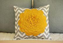 so-so (sew, crochet, knit, etc.) / by Tania Ridenour