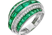 Jewelry - Emerald, Sapphire & Ruby / by Dawn Chung