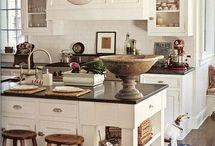 Kitchen / by Ece Aymer