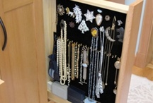 jewelry storage / by Paula Curcio