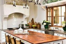 Beautiful Kitchens / by Karen Gamble (CiCi & Ryann Girls Clothing)